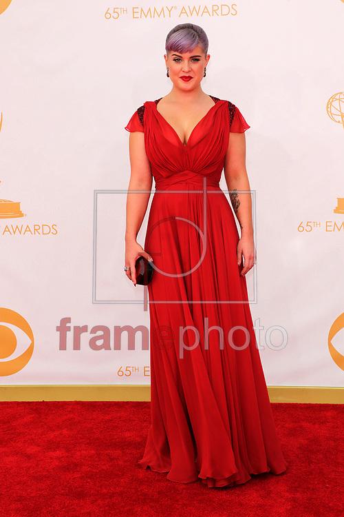 """*BRAZIL ONLY *ATENÇÃO EDITOR, IMAGEM EMBARGADA PARA VEÍCULOS INTERNACIONAIS* wenn20690476 - Los Angeles, EUA - 22//09/2013 - Kelly Osbourne chega para a cerimônia de entrega do 65o Emmy Awards, considerado o """"Oscar da televião"""", realizado na tarde de hoje (22/09) no Nokia Theatre L.A., em Los Angeles, EUA. Foto: Adriana M. Barraza/Wenn/Frame"""