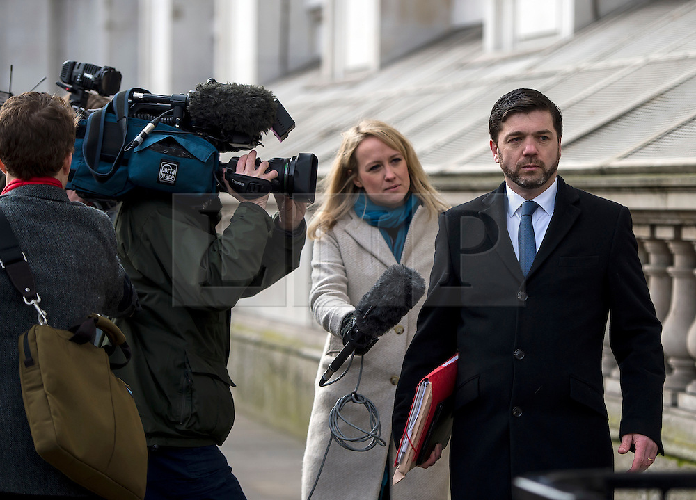 © Licensed to London News Pictures. 20/02/2016. London, UK. STEPHEN CRABB MP  being questioned by television crews as he arrives at downing street for a cabinet meeting the day after David Cameron finalised negotiations over Britain's membership of the EU. Photo credit: Ben Cawthra/LNP