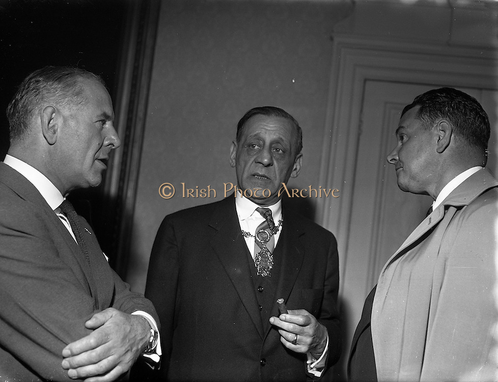 22/05/1957<br /> 05/22/1957<br /> 22 May 1957<br /> Alderman Robert Briscoe, Lord Mayor of Dublin presented with Album of pictures from his American tour by Bord Failte at the Mansion House, Dublin.