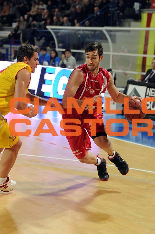 DESCRIZIONE : Frosinone Lega Basket A2 2011-12  Prima Veroli ASS. Pall. S.Antimo<br /> GIOCATORE : Riccardo Moraschini<br /> CATEGORIA : penetrazione<br /> SQUADRA : ASS. Pall. S.Antimo<br /> EVENTO : Campionato Lega A2 2011-2012 <br /> GARA : Prima Veroli ASS. Pall. S.Antimo <br /> DATA : 13/01/2012<br /> SPORT : Pallacanestro  <br /> AUTORE : Agenzia Ciamillo-Castoria/ GiulioCiamillo<br /> Galleria : Lega Basket A2 2011-2012  <br /> Fotonotizia : Frosinone Lega Basket A2 2011-12 Prima Veroli ASS. Pall. S.Antimo<br /> Predefinita :