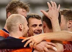 20150614 NED: World League Nederland - Finland, Almere<br /> De Nederlandse volleyballers hebben in de World League ook hun tweede duel met Finland gewonnen. Na de 3-0 zege van zaterdag werd zondag in Almere met 3-1 (22-25, 25-20, 25-13, 25-19) gewonnen / Jasper Diefenbach #20, Kay van Dijk #12, Dick Kooy #11