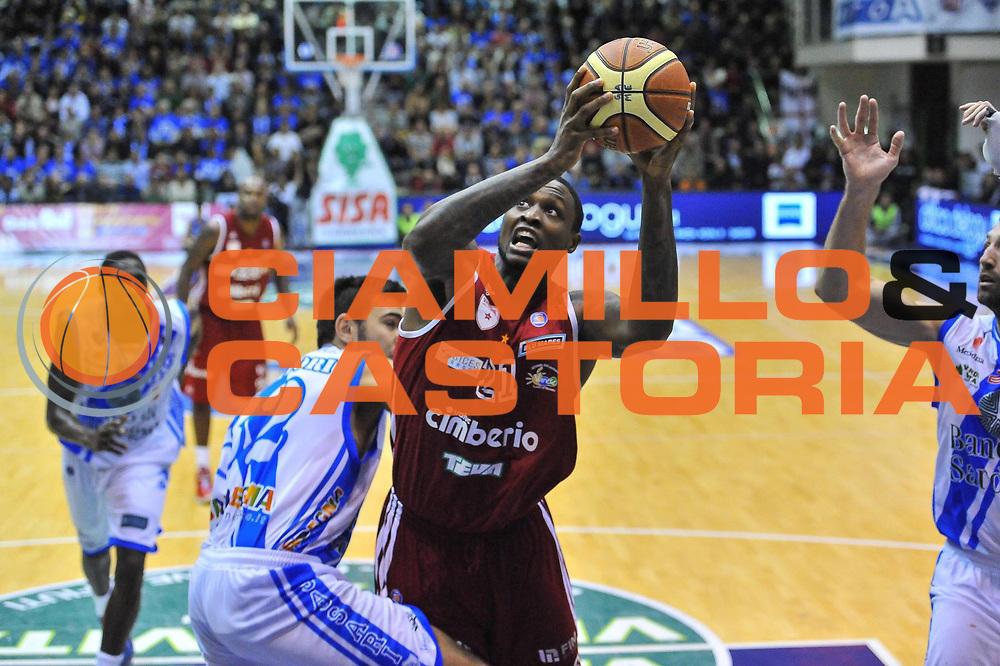 DESCRIZIONE : Campionato 2013/14 Dinamo Banco di Sardegna Sassari - Cimberio Varese<br /> GIOCATORE : Franklin Hassel<br /> CATEGORIA : Tiro Penetrazione<br /> SQUADRA : Cimberio Varese<br /> EVENTO : LegaBasket Serie A Beko 2013/2014<br /> GARA : Dinamo Banco di Sardegna Sassari - Cimberio Varese<br /> DATA : 10/11/2013<br /> SPORT : Pallacanestro <br /> AUTORE : Agenzia Ciamillo-Castoria / Luigi Canu<br /> Galleria : LegaBasket Serie A Beko 2013/2014<br /> Fotonotizia : Campionato 2013/14 Dinamo Banco di Sardegna Sassari - Cimberio Varese<br /> Predefinita :