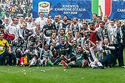 Juventus players celebrate winning the 2018 Serie A title after the Italian championship Serie A football match between Juventus and Hellas Verona on May 19, 2018 at Allianz stadium in Turin, Italy - Photo Morgese - Rossini / ProSportsImages / DPPI