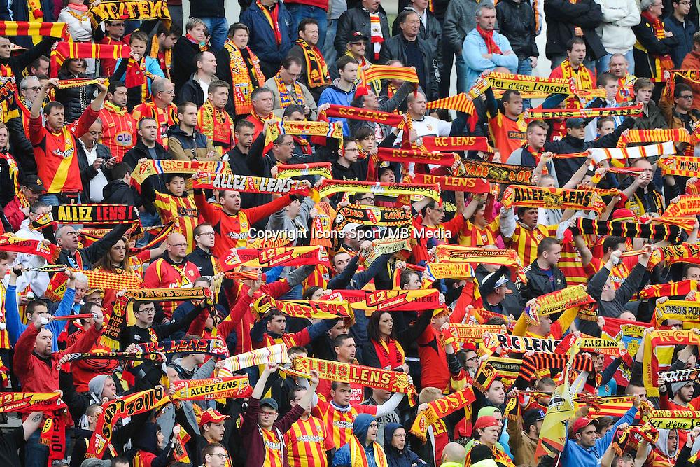 Supporters Lens - 26.04.2015 - Lens / Monaco - 34eme journee de Ligue 1<br /> Photo : Nolwenn Le Gouic / Icon Sport