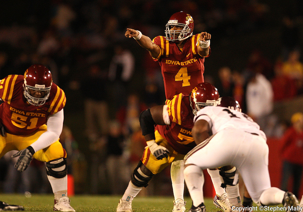 25 OCTOBER 2008: Iowa State quarterback Austen Arnaud (4) in the second half of an NCAA college football game between Iowa State and Texas A&M, at Jack Trice Stadium in Ames, Iowa on Saturday Oct. 25, 2008. Texas A&M beat Iowa State 49-35.