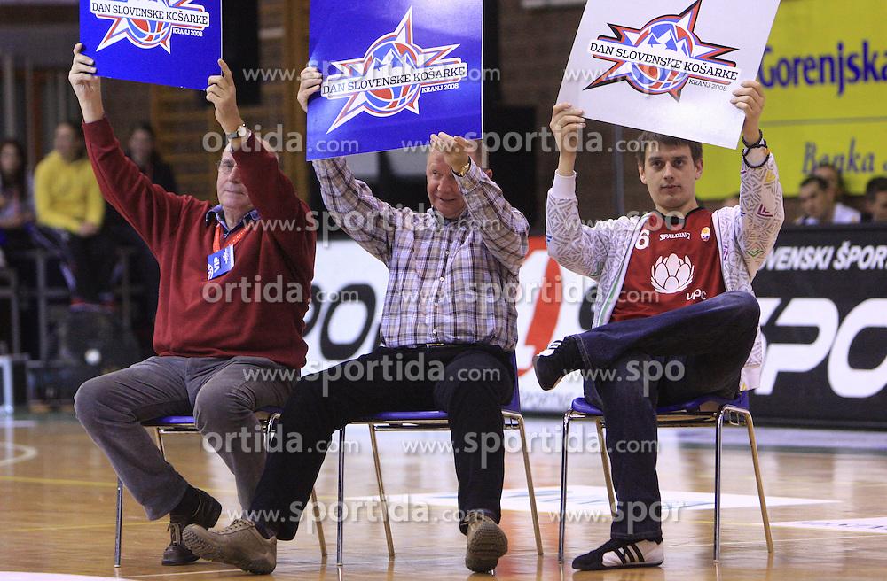 Komisija (Ivo Daneu, Dusan Sesok in raper Trkaj)  na Dnevu slovenske moske kosarke, 26. decembra 2008, na Planini, Kranj, Slovenija. (Photo by Vid Ponikvar / Sportida)