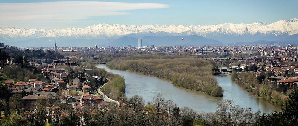 La città di Torino attraversata dal fiume Po,