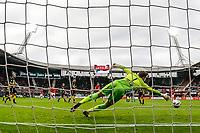 ALKMAAR - 22-10-2017, AZ - FC Utrecht, Teun Koopmeiners of AZ Alkmaar scores his side's first goal to make it 1-0