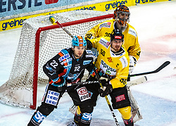 03.01.2020, Keine Sorgen Eisarena, Linz, AUT, EBEL, EHC Liwest Black Wings Linz vs Vienna Capitals, 35. Runde, im Bild v.l. Hunter Fejes (EHC Liwest Black Wings Linz), Mario Fischer (spusu Vienna Capitals), Tormann Ryan Zapolski (spusu Vienna Capitals) // during the Erste Bank Eishockey League 35th round match between EHC Liwest Black Wings Linz and Vienna Capitals at the Keine Sorgen Eisarena in Linz, Austria on 2020/01/03. EXPA Pictures © 2019, PhotoCredit: EXPA/ Reinhard Eisenbauer