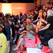 NLD/Amsterdam/20080723 - Modeshow Jeroen van Tuyl tijdens AIFW 2008, publiek op de tribune
