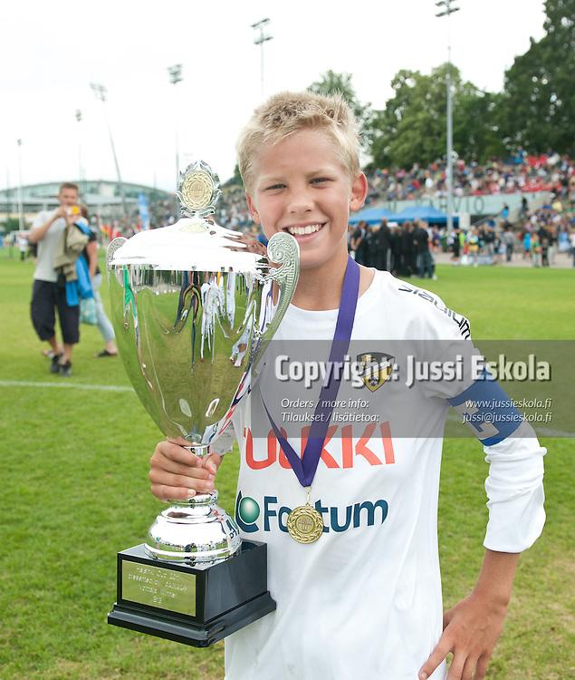 B13. KäPa/United - Honka/Akatemia. Helsinki Cup. Loppuottelut. 16.7.2011. Töölön Pallokenttä. Photo: Jussi Eskola