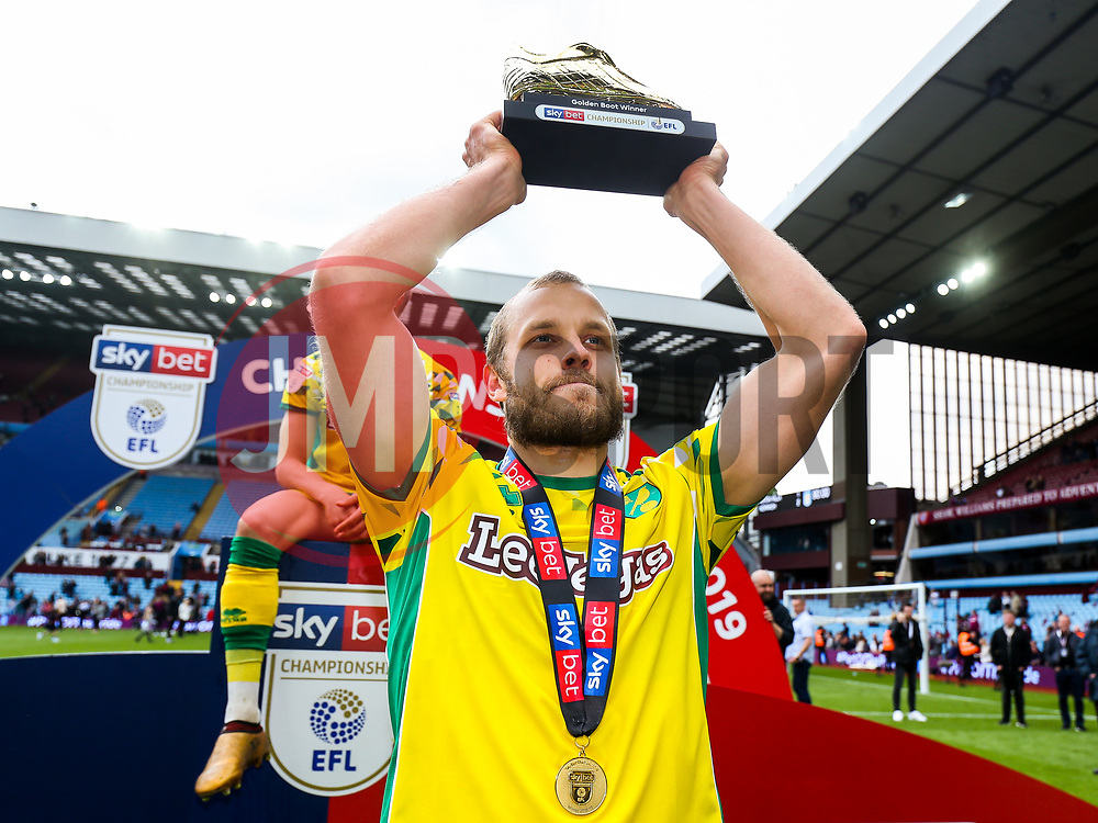 Teemu Pukki of Norwich City is presented with the 2018/19 Sky Bet Championship Golden Boot award as as Norwich City celebrate winning the Sky Bet Championship as well as promotion - Rogan/JMP - 05/05/2019 - Villa Park - Birmingham, England - Aston Villa v Norwich City - Sky Bet Championship.