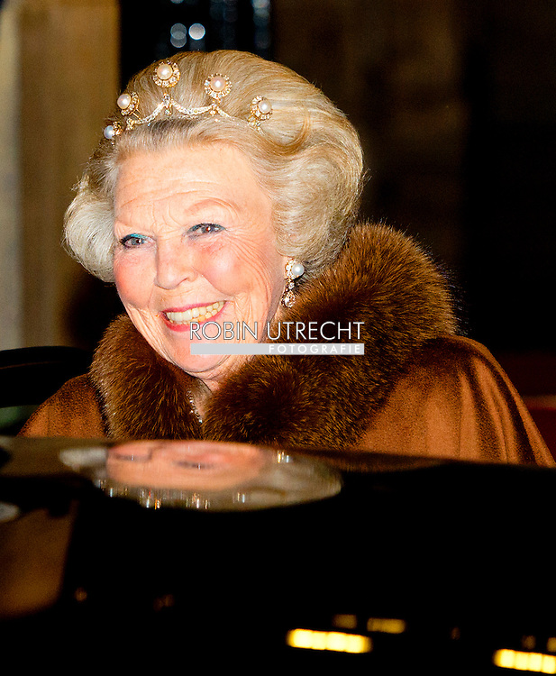 14-05-2014 AMSTERDAM - The departure off  princess Beatrix . . King Willem-Alexander and Maxima Queen received Wednesday May 14, 2014 the Diplomatic Corps for the annual gala dinner. The dinner will be held at the Royal Palace in Amsterdam COPYRIGHT ROBIN UTRECHT