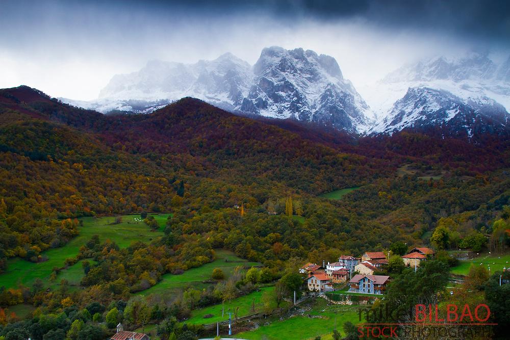 Tanarrio and Picos de Europa National Park.<br /> Camale&ntilde;o village. Liebana county, Cantabria, Spain.