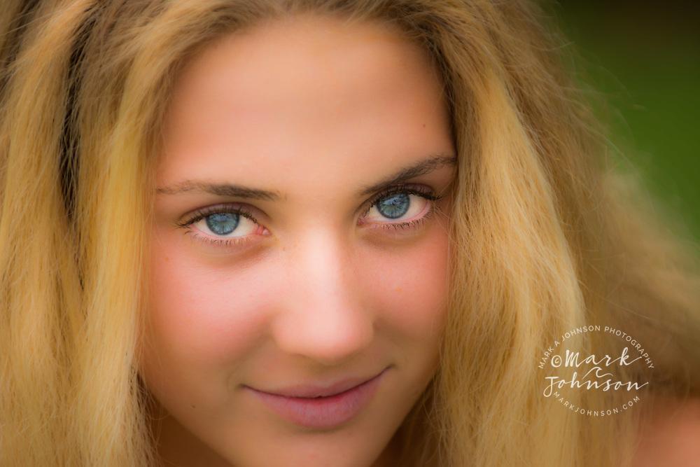 14 year old teenage girl portrait