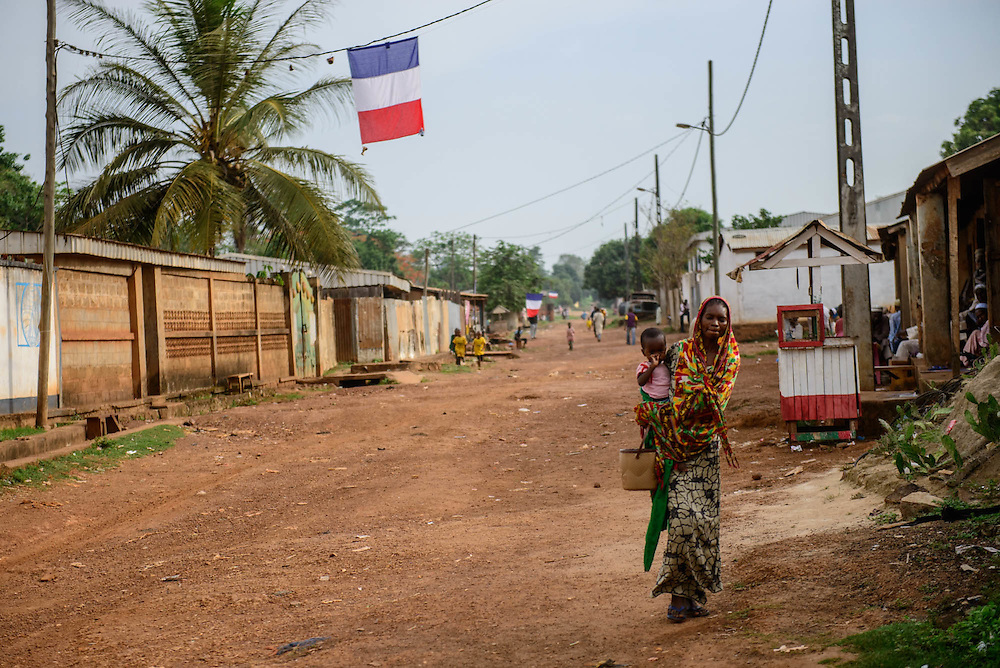 Boda, 140 Km west of Bangui, is one of the last places where 11 000 muslims remain in a small enclave. They are under the constan threat of anti-balakas militias and protected by the french military operation Sangaris.