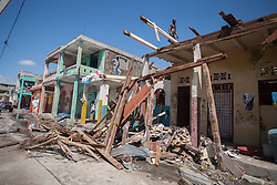 October 7, 2016 - Les Cayes, Haiti - Damaged houses in town of Les Cayes after Hurricane Matthew, on October 7, 2016. Hurricane Matthew killed almost 900 people and displaced tens of thousands in Haiti before plowing northward on Saturday just off the southeast U.S. coast, where it caused major flooding and widespread power outages. (Credit Image: © Bahare Khodabande/NurPhoto via ZUMA Press)
