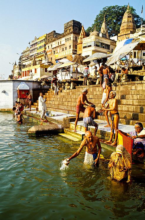 Dasashwamedh Ghat (bathing ghats on the RIver Ganges), Varanasi (Benares), Uttar Pradesh, India