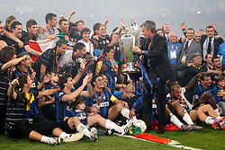 22.05.2010, Estadio Santiago Bernabeu, Madrid, ESP, UEFA Champions League Finale 2010, Bayern Muenchen vs Inter Mailand, Finale, im Bild Internazionale Milan's players celebrate the victory in the UEFA  Champions League final. EXPA Pictures © 2010, PhotoCredit: EXPA/ Alterphotos/ Alvaro Hernandez