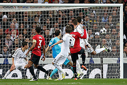 13.02.2013, Estadio Santiago Bernabeu, Madrid, ESP, UEFA CL, Real Madrid vs Manchester United, Achtelfinale, Hinspiel, im Bild Real Madrid's Angel Di Maria, Diego Lopez, Cristiano Ronaldo and Fabio Coentrao and Manchester United's Danny Welbeck and Patrice Evra // during UEFA Champions League knockout round 1st leg match between Real Madrid and Manchester United at the Estadio Santiago Bernabeu, Madrid, Spain on 2013/02/13. EXPA Pictures © 2013, PhotoCredit: EXPA/ Alterphotos/ Cesar Cebolla..***** ATTENTION - OUT OF ESP and SUI *****