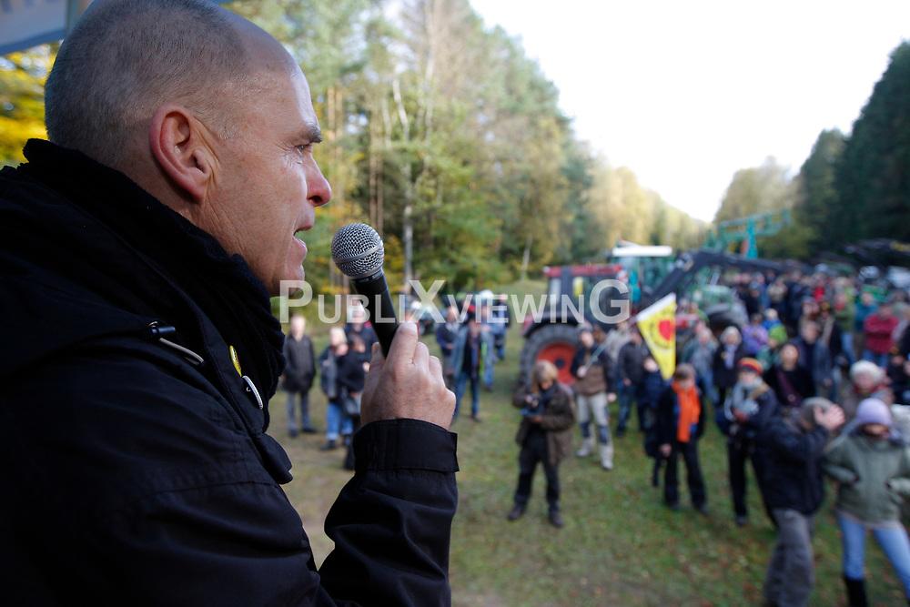 Die Anti-Atomkraft-Bewegung protestiert im Vorfeld des Castortransports nach Gorleben im November 2010 an &uuml;ber hundert Orten gegen die Atompolitik der schwarz-gelben Bundesregierung. Im Bild: Wolfgang Ehmke, Sprecher der B&uuml;rgerinitiative L&uuml;chow-Dannenberg<br /> <br /> Ort: Leitstade<br /> Copyright: XXX<br /> Quelle: PubliXviewinG