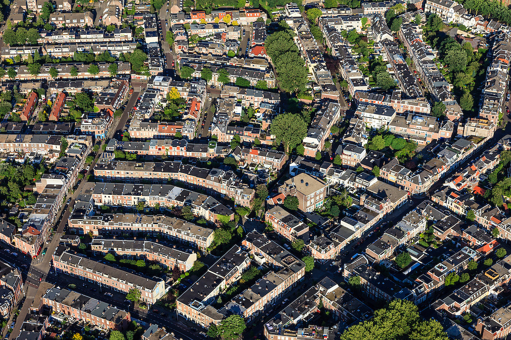 Nederland, Utrecht, Utrecht, 15-07-2012; binnenstad Utrecht, Vogelenbuurt..Inner city of Utrecht, residential district Vogelenbuurt developed in the 19th century. .luchtfoto (toeslag), aerial photo (additional fee required).foto/photo Siebe Swart