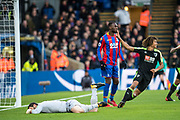 Crystal Palace #1 Julián Speroni, Crystal Palace #17 Christian Benteke after Jermain Defoe score 1st goal assisted by Bournemouth (5) Nathan Ake at the Premier League match between Crystal Palace and Bournemouth at Selhurst Park, London, England on 9 December 2017. Photo by Sebastian Frej.