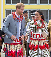 Meghan & Harry Wear Kiekie At Handicrafts Exhibition
