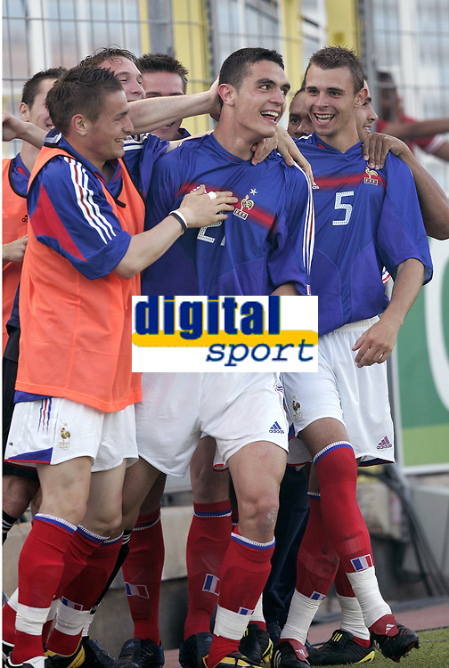 FOOTBALL - UNDER 21 TOULON TOURNAMENT 2005 - FINAL - FRANCE v PORTUGAL - 10/06/2005 - FRENCH JOY AFTER THE NICOLAS FAUVERGUE 'S GOAL - PHOTO PHILIPPE LAURENSON / DIGITALSPORT<br /> Norway only