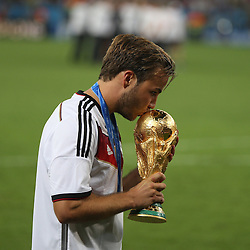 13.07.2014, Maracana, Rio de Janeiro, BRA, FIFA WM, Deutschland vs Argentinien, Finale, im Bild Matchwinner Mario Goetze (GER) kuesst den WM-Pokal // during Final match between Germany and Argentina of the FIFA Worldcup Brazil 2014 at the Maracana in Rio de Janeiro, Brazil on 2014/07/13. EXPA Pictures © 2014, PhotoCredit: EXPA/ Eibner-Pressefoto/ Cezaro<br /> <br /> *****ATTENTION - OUT of GER*****