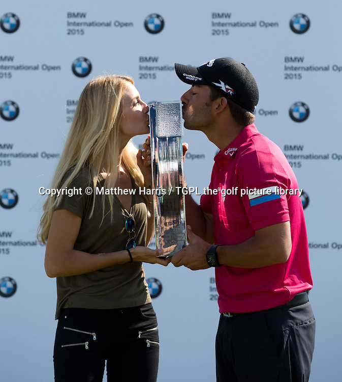 Pablo LARRAZABAL (ESP)  celebrates his win with girlfriend Gala ALTEN (ESP) during fourth round BMW International Open 2015,Golfclub Munchen Eichenied,Munich,Germany