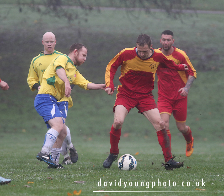 Annfield (red) v Craws Nest (yellow) - Dundee Sunday FA<br /> <br />  - &copy; David Young - www.davidyoungphoto.co.uk - email: davidyoungphoto@gmail.com