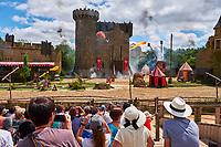 France, Vendée (85), Les Epesses, Parc du Puy du Fou, spectacle Le Secret de la Lance // France, Vendée, Les Epesses, Parc du Puy du Fou