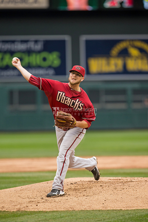 MINNEAPOLIS, MN- SEPTEMBER 24: Evan Marshall #50 of the Arizona Diamondbacks pitches against the Minnesota Twins on September 24, 2014 at Target Field in Minneapolis, Minnesota. The Twins defeated the Diamondbacks 2-1. (Photo by Brace Hemmelgarn) *** Local Caption *** Evan Marshall