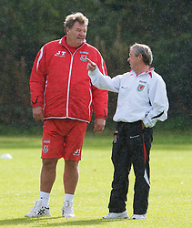 CARDIFF, WALES - Tuesday, October 7, 2008: Wales' manager John Toshack and Under-21 manager Brian Flynn during training at the Vale of Glamorgan Hotel ahead of the 2010 FIFA World Cup South Africa Qualifying Group 4 match against Liechtenstein. (Photo by David Rawcliffe/Propaganda)