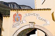 Italie, Margreid, Magr&egrave;, 20080403<br /> Wijndomein Alois Lageder.<br /> Het wijnhuis is als visionair reeds decennia geleden  omgeschakeld op duurzame, biologisch-dynamische wijnbouw van de hoogste kwaliteit.<br /> Margreid an der Weinstra&szlig;e (Italiaans: Magr&egrave; sulla Strada del Vino) is een gemeente in de Italiaanse provincie Zuid-Tirol (regio Trentino-Zuid-Tirol), oftewel de regio Alto Adige in Noord-Itali&euml;.<br /> In de wijnlokalen kunt u genieten van lokale wijnen (Lagrein, Vernatsch en Gew&uuml;rztraminer) en van andere goede wijnen, zoals Pinot Blanc, Sauvignon Blanc, Merlot en Cabernet.<br /> <br /> Italy, Margreid, Magr&egrave;, 20080403<br /> Wijndomein Alois Lageder. The winery is as visionary already been converted decades ago sustainable, biodynamic wine of the highest quality. <br /> Margreid Weinstra&szlig;e (Italian Magr&egrave; sulla Strada del Vino) is a town in the Italian province of South Tyrol (Trentino-Alto Adige), or the region of Alto Adige in northern Italy. In the taverns you can taste local wines (Lagrein, Vernatsch and Gew&uuml;rztraminer) and other fine wines, such as Pinot Blanc, Sauvignon Blanc, Merlot and Cabernet.