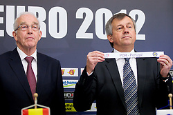 Jan Tuik and Michael Wiederer, EHF Secretary General with team Portugal during the draw for the 2013 Men's World Championship in Spain (11 to 27 January 2013) at 10th EHF European Handball Championship Serbia 2012, on January 29, 2012 in Beogradska Arena, Belgrade, Serbia.  (Photo By Vid Ponikvar / Sportida.com)