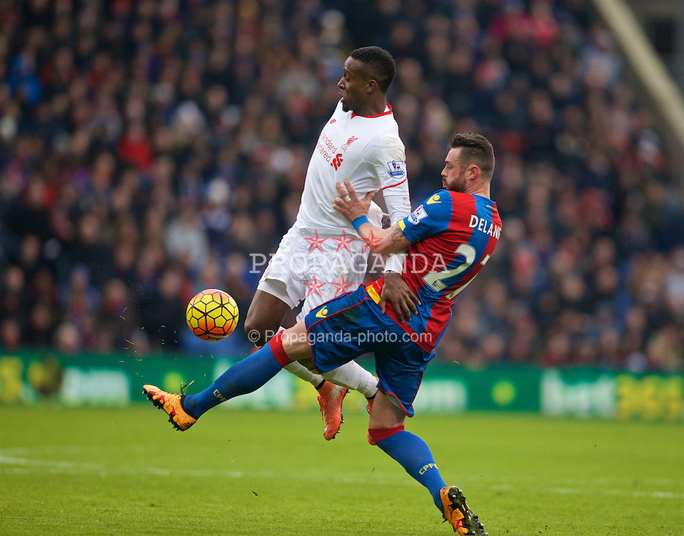 LONDON, ENGLAND - Sunday, March 6, 2016: Liverpool's Divock Origi in action against Crystal Palace's Damien Delaney during the Premier League match at Selhurst Park. (Pic by David Rawcliffe/Propaganda)