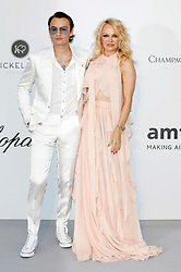 May 23, 2019, Antibes, France: BRANDON THOMAS LEE and mother PAMELA ANDERSON attending the 26th amfAR's Cinema Against Aids Gala during the 72nd Cannes Film Festival at Hotel du Cap-Eden-Roc in Antibes (Credit Image: © Future-Image via ZUMA Press)