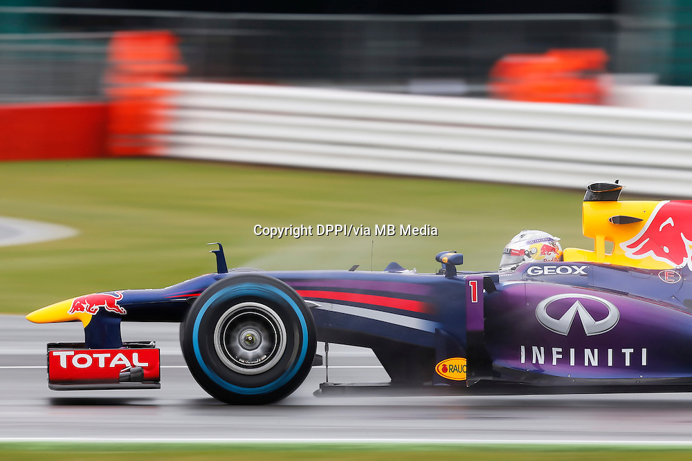 MOTORSPORT - F1 2013 - BRITISH GRAND PRIX - GRAND PRIX D'ANGLETERRE - SILVERSTONE (GBR) - 28 TO 30/06/2013 - PHOTO : ALEXANDRE GUILLAUMOT / DPPI - 01 VETTEL SEBASTIAN (GER) - RED BULL RENAULT RB9 - ACTION