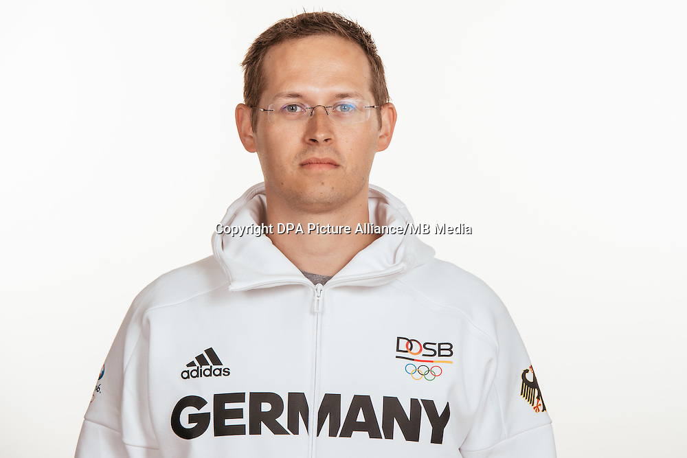 Christian Kühn poses at a photocall during the preparations for the Olympic Games in Rio at the Emmich Cambrai Barracks in Hanover, Germany, taken on 15/07/16 | usage worldwide