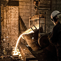 Hargreaves Foundry - Halifax - Yorkshire ( Est : 1896 ) - General Ironfounders . Pouring into moulds