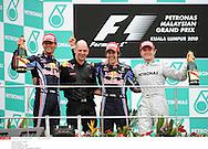 Grand prix de Malaisie 2010..Circuit de SEPANG. 4 Avril 2010...Photo Stéphane Mantey/L'Equipe. *** Local Caption *** webber (mark) - (aus) -..newey (adrian)..vettel (sebastian) - (ger) -..rosberg (nico) - (ger) -