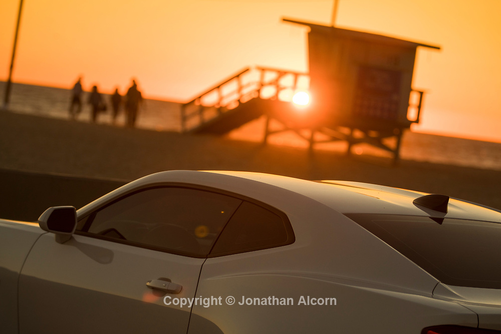 The sun sets as seen from Venice beach in  Los Angeles, California, U.S February 24, 2017.  Jonathan Alcorn
