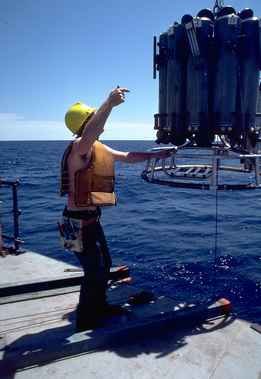 Deploying a CTD/rosette with Niskin Bottles and Deep Sea Reversing Thermometers