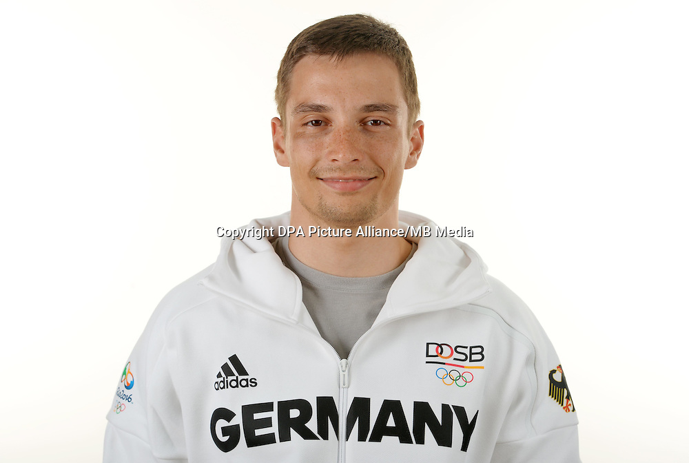 Max Niederlag poses at a photocall during the preparations for the Olympic Games in Rio at the Emmich Cambrai Barracks in Hanover, Germany. July 06, 2016. Photo credit: Frank May/ picture alliance. | usage worldwide