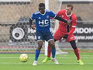 FODBOLD: Samson Iyede (Fremad Amager) og Jonas Henriksen (FC Helsingør) under træningskampen mellem Fremad Amager og FC Helsingør den 2. februar 2019 i Sundby Idrætspark. Foto: Claus Birch