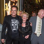 NLD/Amsterdam/20131219 - Premiere Kerstcircus 2013 Carre, Gerard Joling en zijn moeder