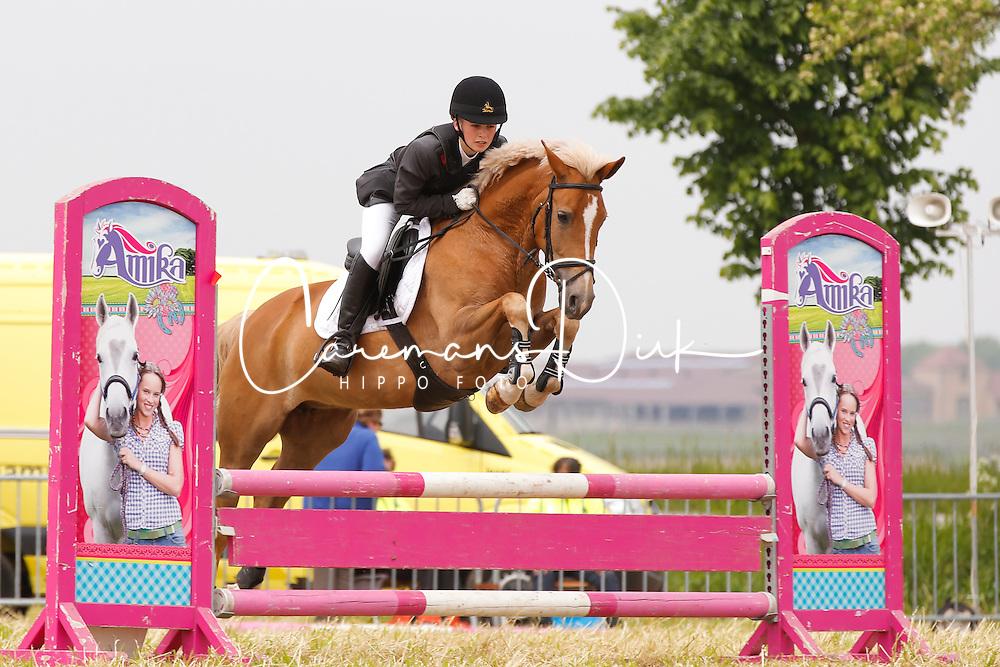 Bosch Lisse (BEL) - Nike vd Delthoeve<br /> SBB Competitie Jonge Pony's<br /> Nationale Wedstrijd Zonnebeke 2013<br /> &copy; Dirk Caremans