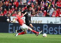 02.04.2016, Coface Arena, Mainz, GER, 1. FBL, 1. FSV Mainz 05 vs FC Augsburg, 28. Runde, im Bild Daniel Brosinski (FSV Mainz 05) im Zweikampf mit Caiuby (FC Augsburg) // during the German Bundesliga 28th round match between 1. FSV Mainz 05 and FC Augsburg at the Coface Arena in Mainz, Germany on 2016/04/02. EXPA Pictures © 2016, PhotoCredit: EXPA/ Eibner-Pressefoto/ Neis<br /> <br /> *****ATTENTION - OUT of GER*****